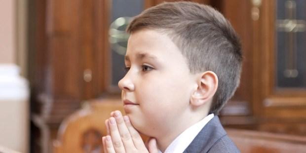 YOUNG BOY,PRAYING