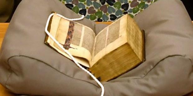 LYGHFIELD BIBLE,CANTERBURY