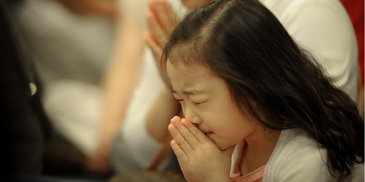LITTLE, GIRL, PRAYING