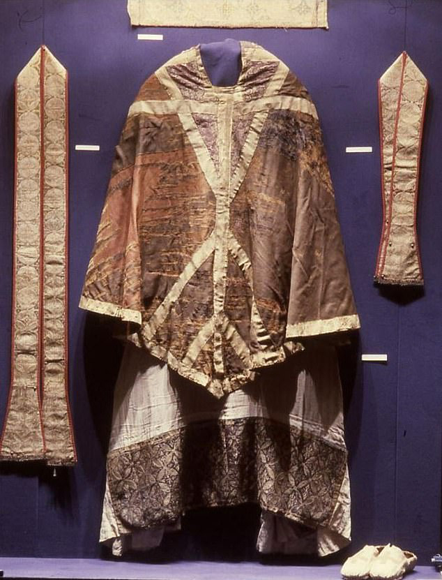 CHASUBLE,ST THOMAS BECKET