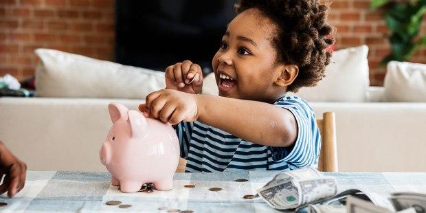 (Slideshow) 12 Ways to help kids have a healthy attitude towards finance