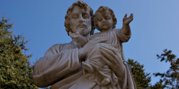 ST JOSEPH,STATUE