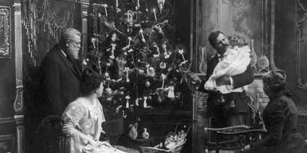 CHRISTMAS,TREE,HISTORICAL