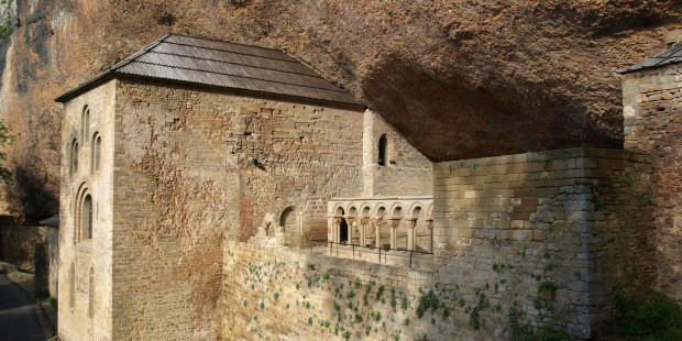 (slideshow) 13 Medieval monasteries around the pilgrimage route to Santiago, Spain