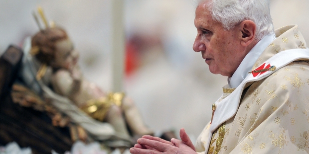 Benedict XVI update: 1st Christmas without his brother and concern for Covid victims
