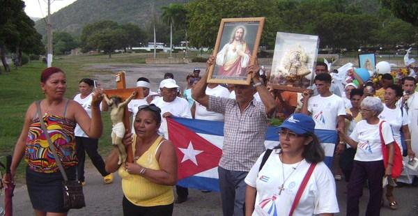CUBA PROCESSION