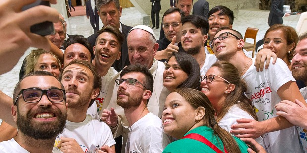 (Slideshow) Pope to youth: 12 Insights on happiness