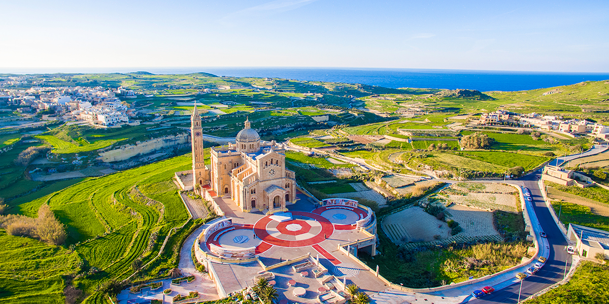 25 May – Rosary for the end to the pandemic from the Basilica of the Blessed Virgin of Ta 'Pinu, Malta
