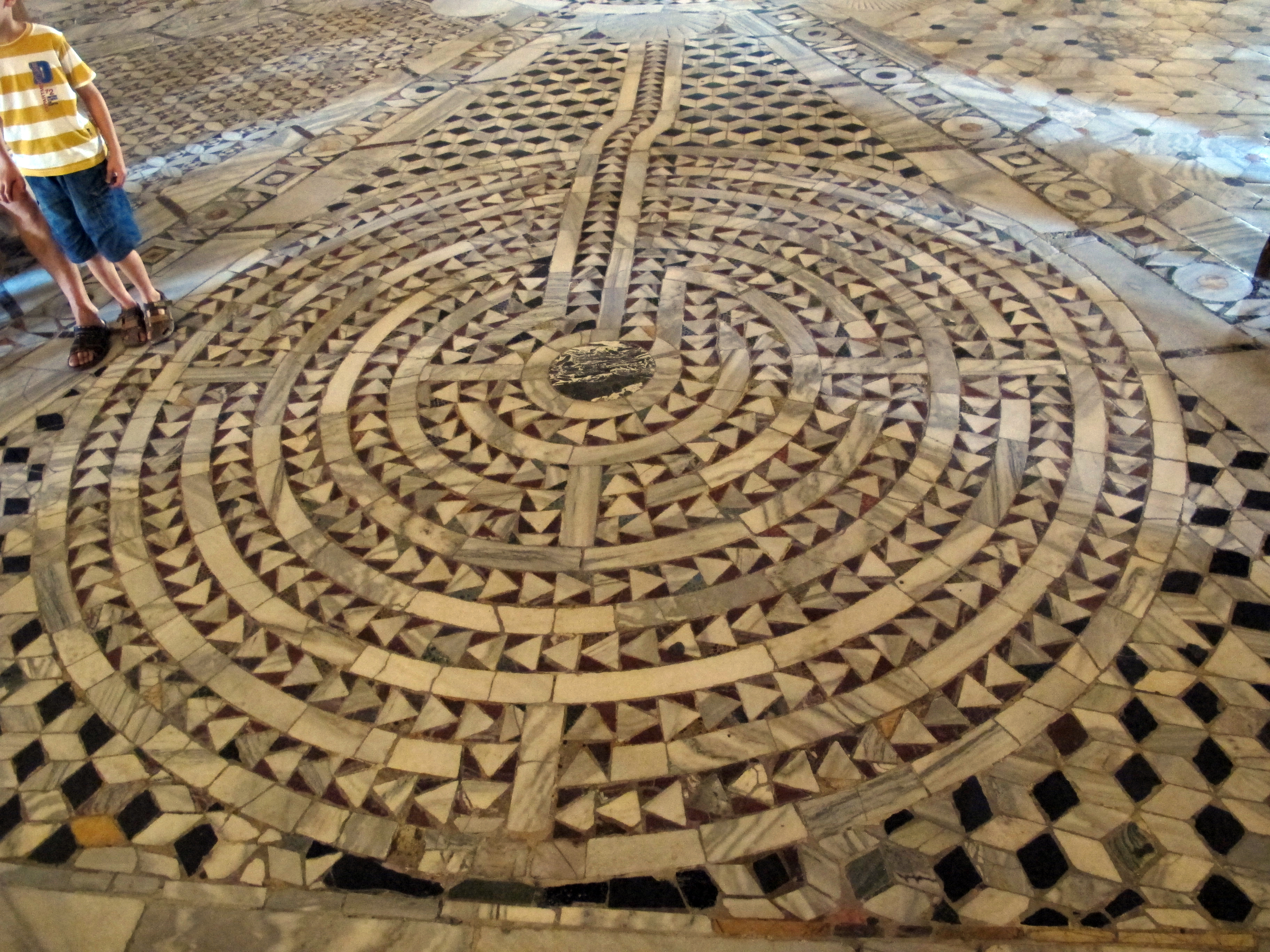Basilica San Vitale, Ravenna;labyrinth