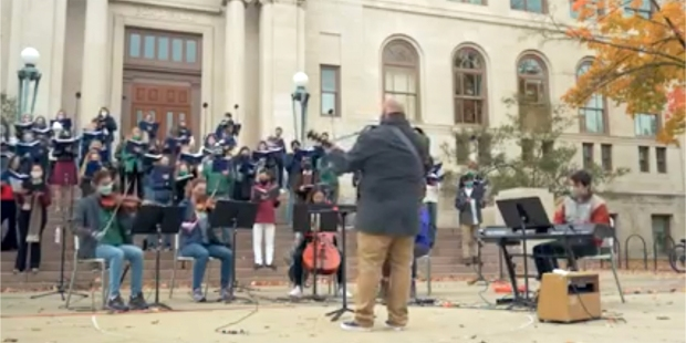 The University of Notre Dame Folk Choir