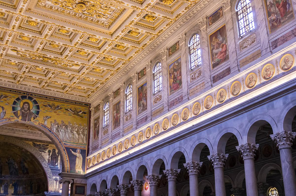 https://wp.en.aleteia.org/wp-content/uploads/sites/2/2021/01/web3-Interior_of_Basilica_of_Saint_Paul_Outside_the_Walls_12-wiki.jpg?w=1920