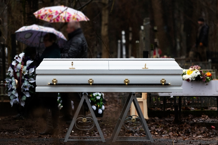 (Slideshow) 6 Essentials for a beautiful funeral