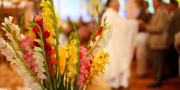 WEB2-FLOWERS-CHURCH-GODONG-FR388570A.jpg