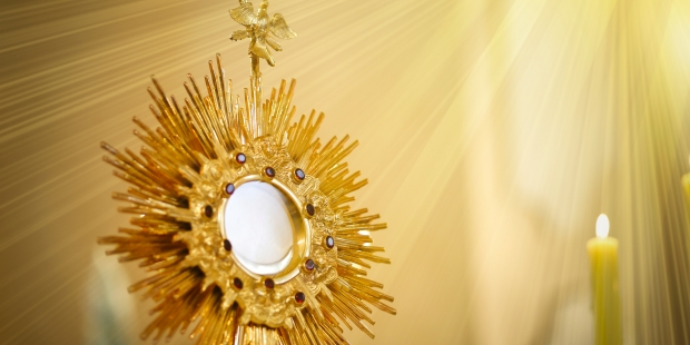 (slideshow)  12 Quotes from the Church Fathers on the Eucharist