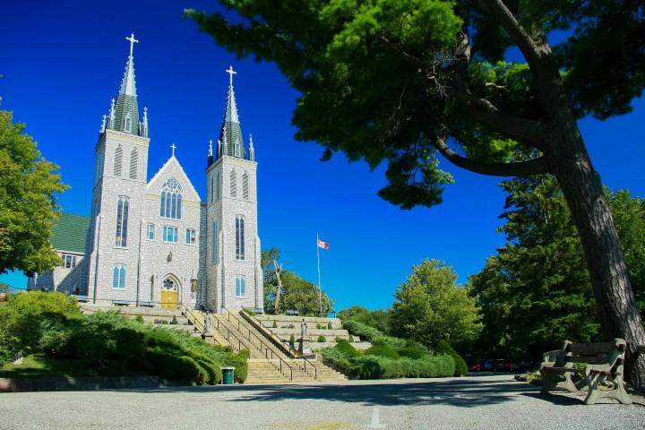 Martyr's Shrine Church, Canada