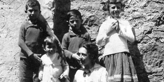 Maria Corsini AND CHILDREN