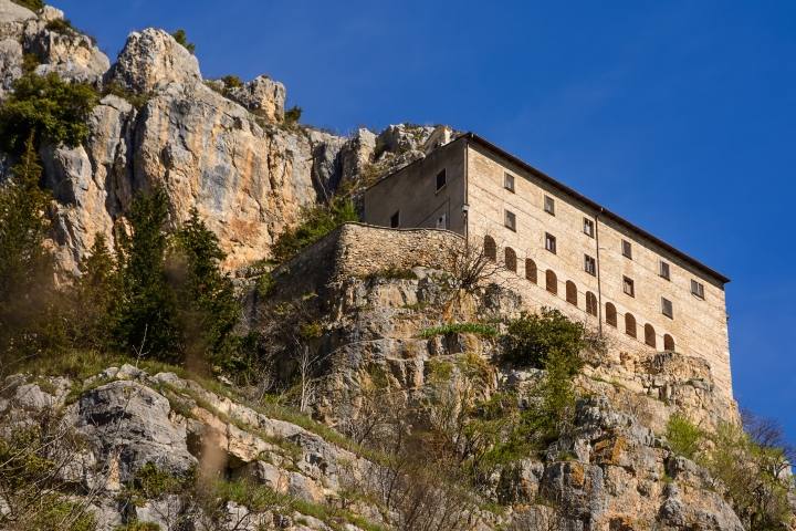 (SLIDESHOW) Pilgrimage to the basilica built by a hermit who became pope